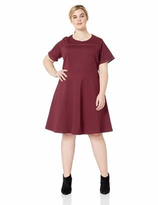 City Chic Women's Apparel Women's Plus Size Short Sleeve Skater Knee Length Neck Detailed Dress