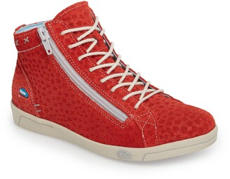 CLOUD Aika Boot Star Perforated Sneaker