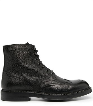 Doucal's Pebbled Lace-Up Boots