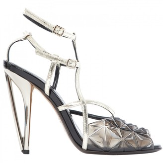 Fendi \N Silver Leather Heels