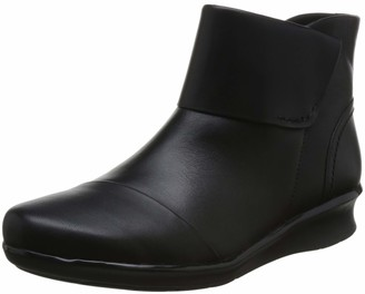 Clarks Hope Track Womens Ankle Boots