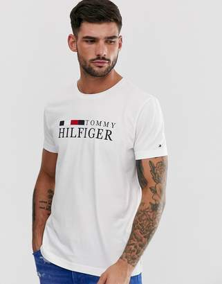 Tommy Hilfiger chest logo t-shirt in white