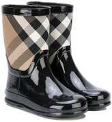 Burberry checkered rain boots - kids - Cotton/PVC/rubber - 27
