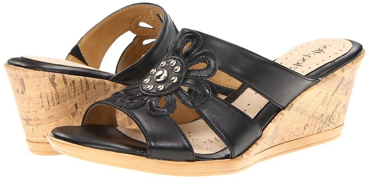 Softspots Lilianna (Black) - Footwear