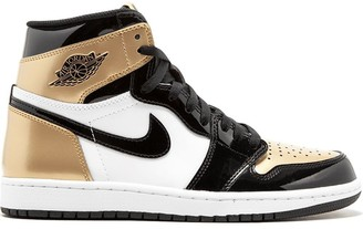 Jordan Air 1 Retro High gold toe