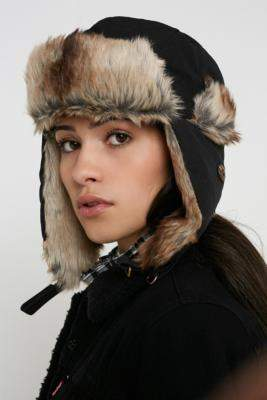 Dickies Trout Creek Trapper Cap - black at Urban Outfitters