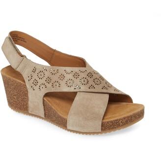 Comfortiva Ellasyn Slingback Sandal