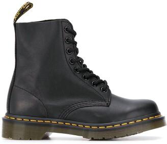 Dr. Martens Pascal virginia boots