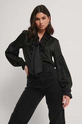 Rut & Circle Zara Boe Tie Blouse