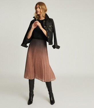 Reiss Marlene - Ombre Pleated Midi Skirt in Black/Pink