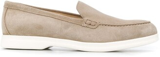 Doucal's Dasy round-toe loafers