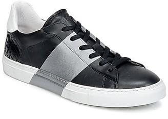 Bikkembergs BOX LEATHER men's Shoes (Trainers) in Black