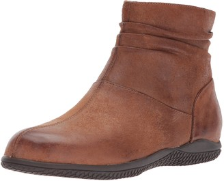 SoftWalk Women's Hanover Ankle Bootie