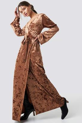 NA-KD Velvet Tie Waist Overlap Dress Brown