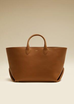 KHAITE The Medium Envelope Pleat Tote in Caramel Leather