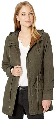 Levi's Cotton Fishtail Parka with Hood (Army Green) Women's Clothing