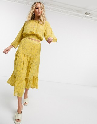 Only chiffon midi skirt two-piece in yellow ditsy floral
