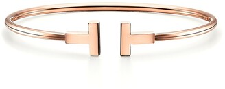 Tiffany & Co. T wire bracelet in 18k rose gold, small