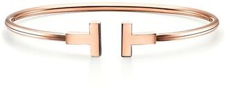 Tiffany & Co. T wire bracelet in 18k rose gold, small
