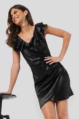 Chloé B X NA-KD Flounce Detail Short Dress Black