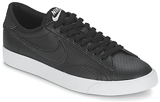 Nike TENNIS CLASSIC AC men's Shoes (Trainers) in Black