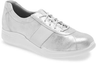 Munro American Leslie Sneaker