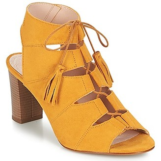 Betty London EVENE women's Sandals in Yellow