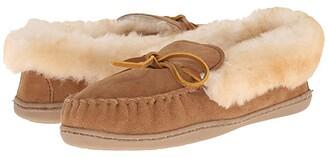 Minnetonka Alpine Sheepskin Moc (Golden Tan) Women's Moccasin Shoes