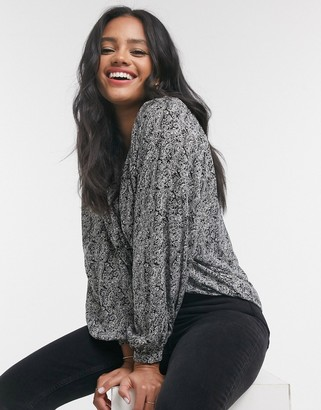 New Look paisley blouse in black pattern