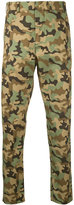 No.21 camouflage print trousers