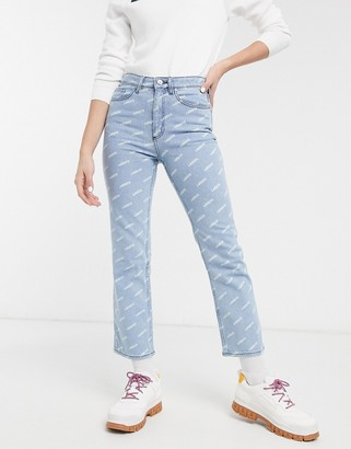 Lacoste logo jeans in lightwash