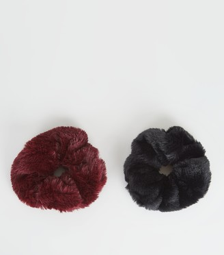 New Look 2 Pack and Burgundy Faux Fur Scrunchies