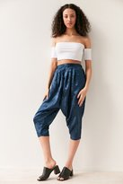 Silence & Noise Silence + Noise Irina Pleated Drop Crotch Floral Pant
