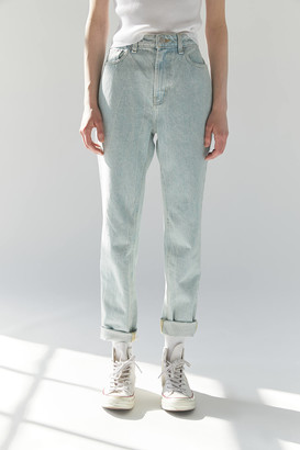 BDG High-Waisted Mom Jean Washed Turquoise