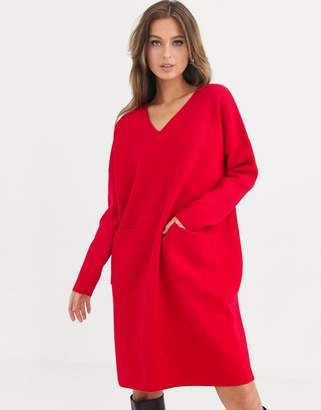 Liquorish v neck jumper dress with pockets-Red