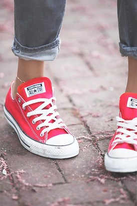 red converse shoes womens