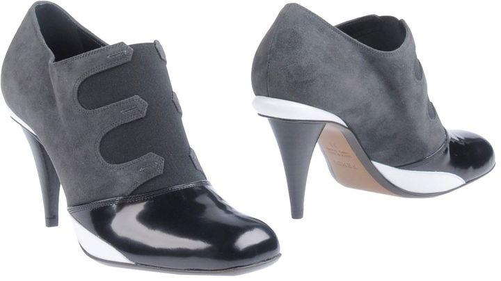 Fendi Shoe boots