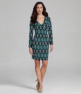 Jones New York Signature Woman Printed V-Neck Dress