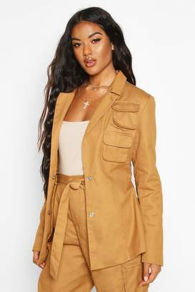 boohoo Pocket Detail Tailored Belted Blazer