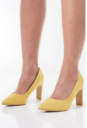 Quiz Yellow Faux Suede Point Court Shoes