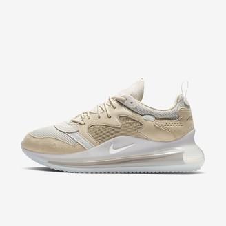Nike Men's Shoe 720 (OBJ)