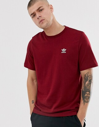 adidas essentials T-Shirt with logo embroidery in burgundy-Red