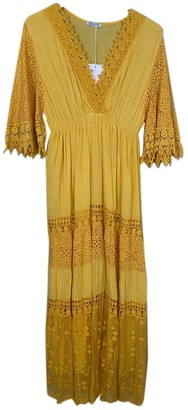 Non Signã© / Unsigned Yellow Lace Dresses