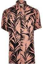 River Island MensPink bamboo print short sleeve shirt