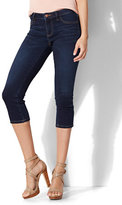 New York & Co. Soho Jeans - Curvy Cropped Legging - Blue Hustle Wash