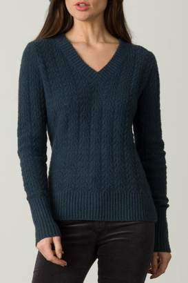 O'Leary Margaret Fitted V-Neck