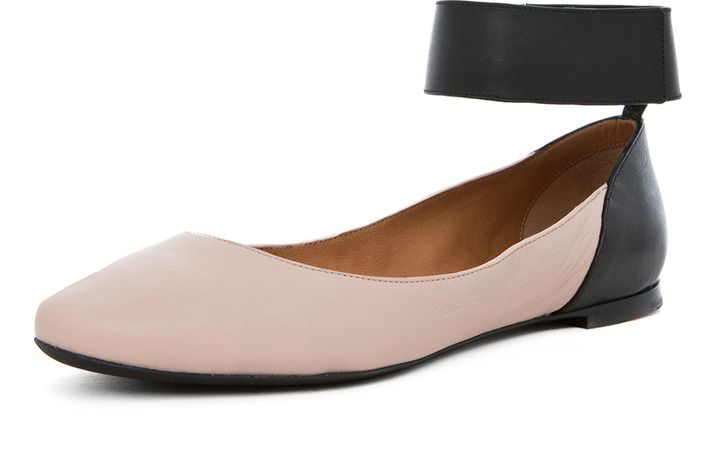 Chloé Ankle Strap Ballet Flat in Pink