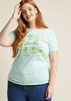 Know your Herbs The benefit of growing your own herbs? You can add endless extra flavor to your salads and other cuisine! The benefit of sporting this mint green tee? You can spread your culinary secret in a stylish way! With a watercolor screen print showcasing a select