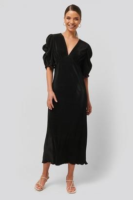 NA-KD Pleated Midi Dress