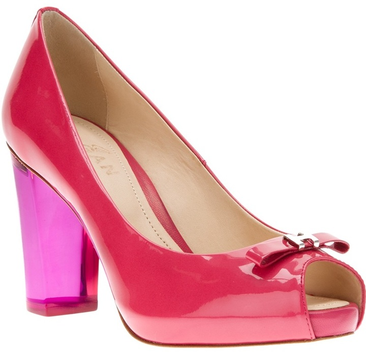 Hogan peep toe patent pump